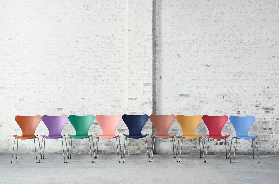 Fritz Hansens klassiske syver stol i ni nye farger.