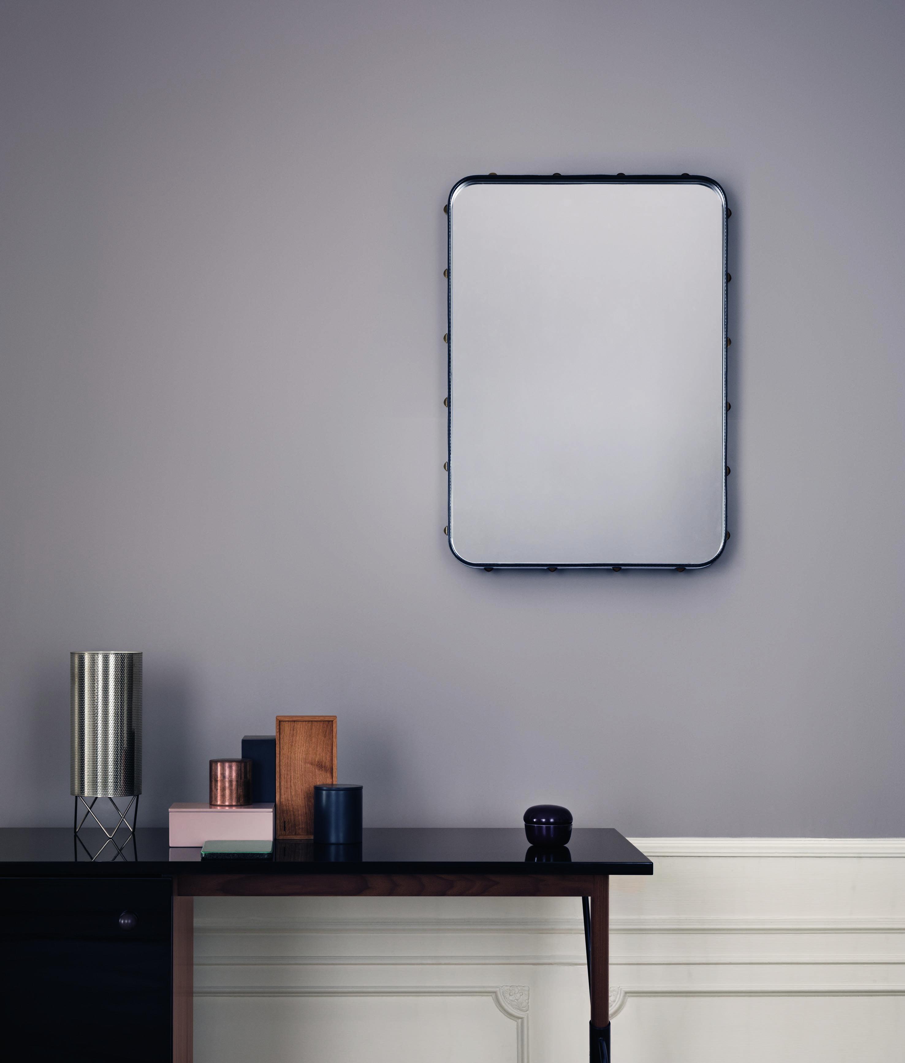 Adnet rektangulært speil