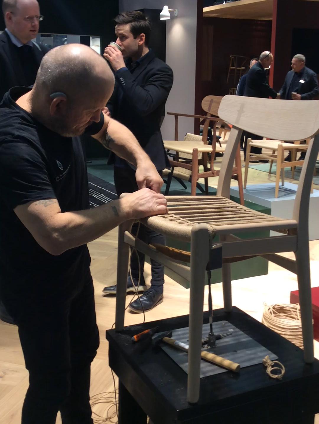 Ny gammel stol fra Wegner på gang! 16.juni lanseres denne flotte nyheten, CH 23 spisestol fra Carl Hansen, designet av Hans Wegner i 1950.