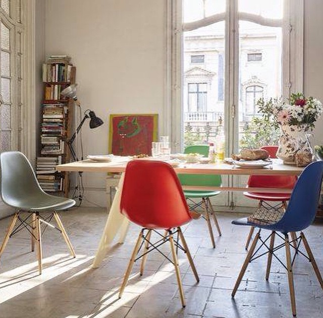 Eames DSR plastic chair
