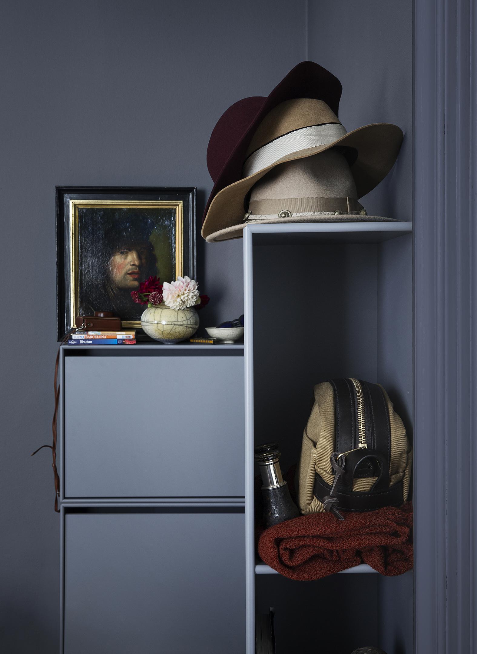 Sidehengt veggmodul for heng og evt speil.