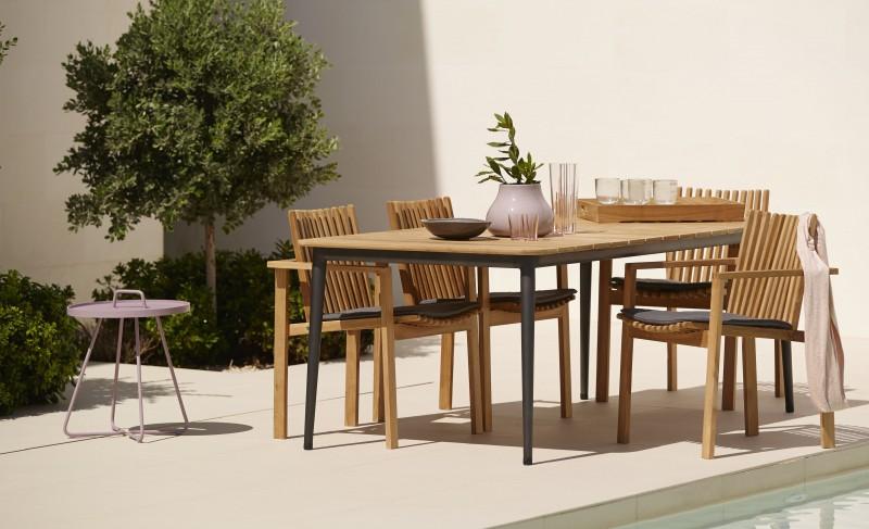 Amaze spisestoler og Core spisebord fra Cane Line