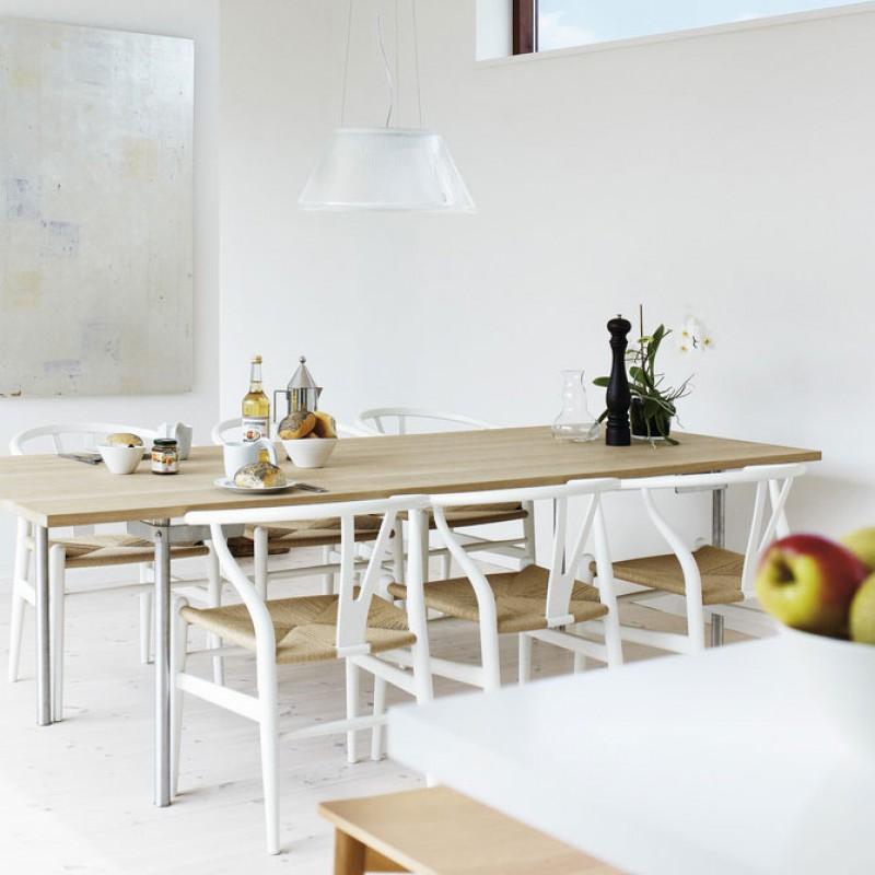 CH 318 spisebord av Carl Hansen