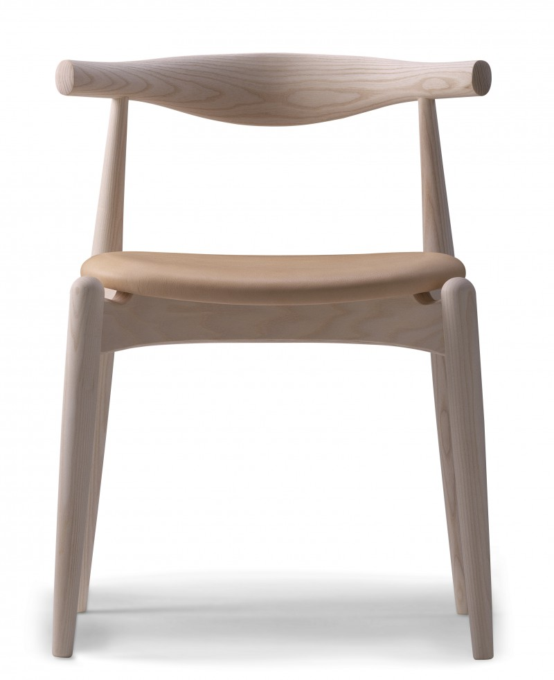 CH 20 Elbow chair designet av Hans J Wegner