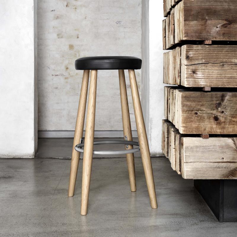 CH 56/58 barstol designet av Hans J Wegner