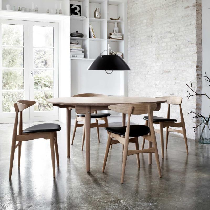CH 33 spisebordstol fra Carl Hansen. Design: Hans J. Wegner