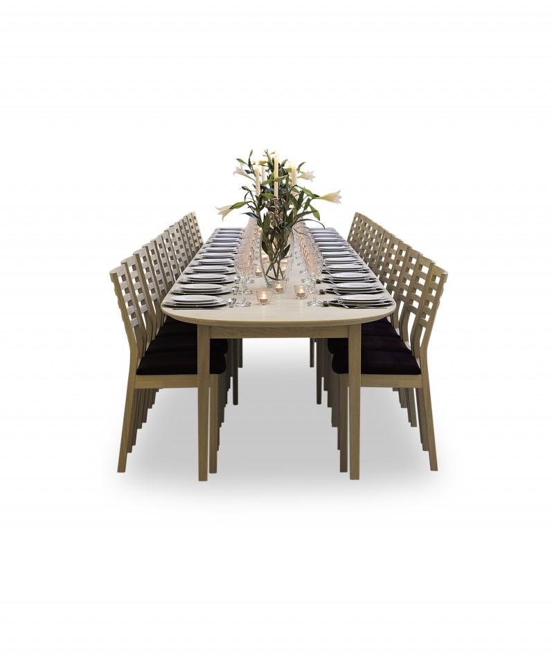 Uttrekksbord med 8 tilleggsplater heltre spisebord