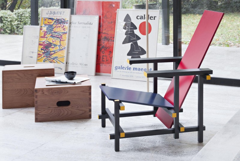 Red and Blue chair fra Cassina, designet av Gerrit Thomas Rietveld i 1918