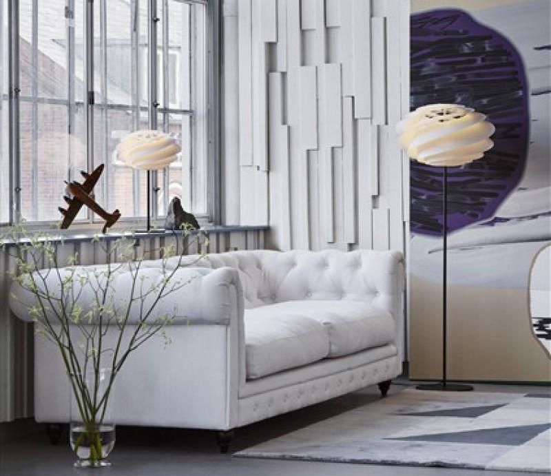 Swirl bord- og gulvlampe fra Le Klint
