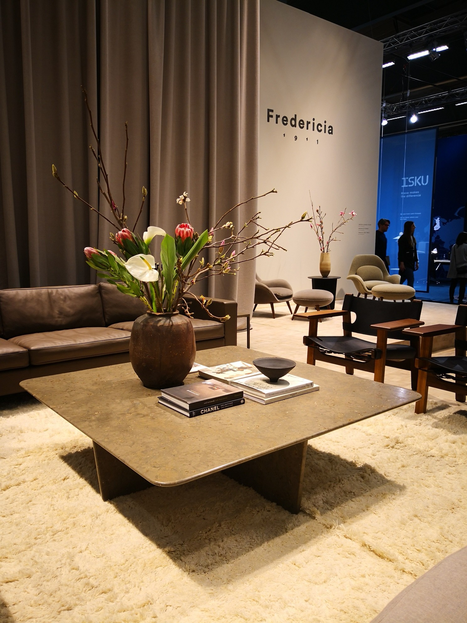 Fredericia Furniture sin stand under møbelmessen i Stockholm