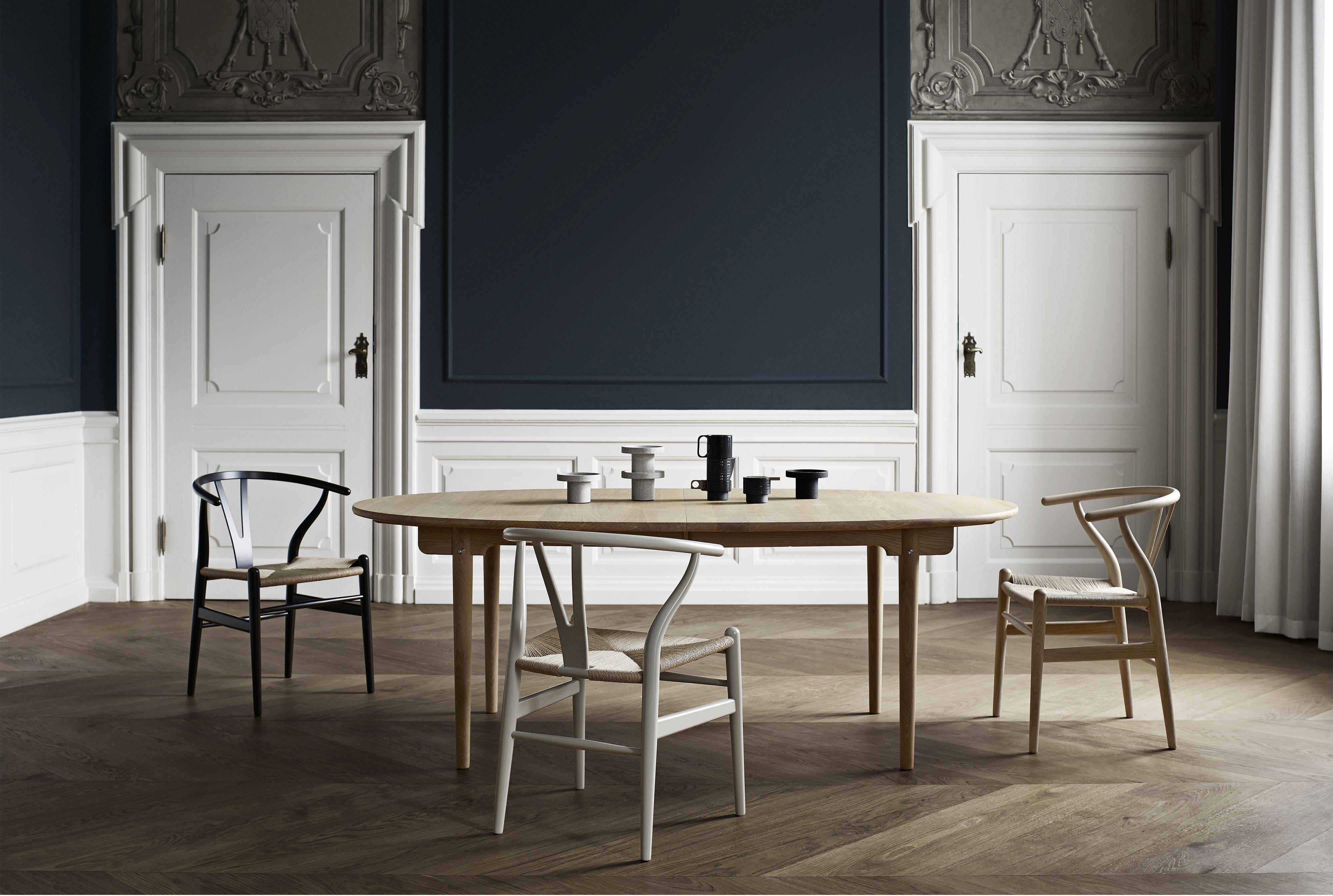 CH 338 Spisebord | Møbelgalleriet Stavanger | Designmøbler
