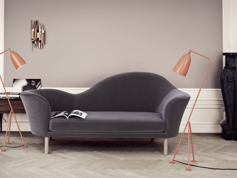 Grand Piano chaise lounge sofa Gubi